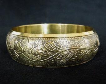 Brass Bangle Bracelet/Brass Bracelet/Gold/Flower/Floral/Boho/Brass Jewelry/80's Bracelet/Hippy/Vintage/Free Shipping