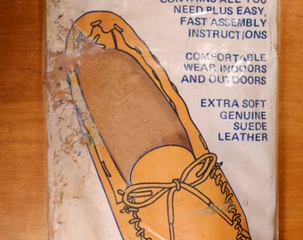 """Tandy Leathercraft """"Indian Scout Moc"""" Kit, New and Unopened Size 8/9"""