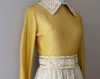 1960s Gold Maxi With Matching Belt, Large Pointed Collar, Coordinating Cuffs, Full Skirt - Small