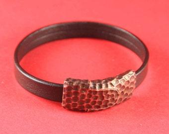 5/5 MADE IN EUROPE zamak magnetic clasp, flat cord clasp, 10mm cord clasp, hammered clasp, strong clasp, silver clasp (XM6031AC) qty 1
