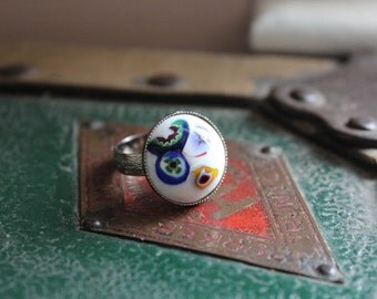 Vintage Japanese Millefiori Adjustable Ring // Vintage Ring // Glass Millefiori Ring // White Glass Ring