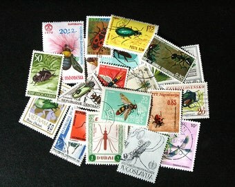 FREE SHIPPING ; 30 Colorful Vintage Worldwide postage stamps depicting INSECTS for collecting, crafting, scrapbook pages, collages etc.