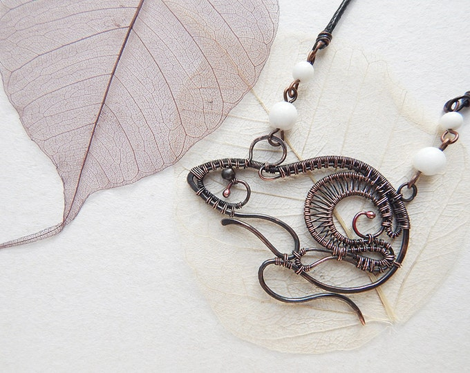 Wire wrapped mouse necklace, rat figurine pendant, Copper Wire wrap, animal-shaped jewelry, totem mouse, totem rat, rat form necklace