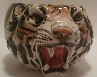 Vintage Bengal Tiger Head Large Planter. Realistic Features. Vivid Colors. Made in Italy. Great Condition!