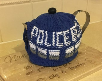 Handknitted tea cosy, teapot cover, tea cozy, wool tea warmer,