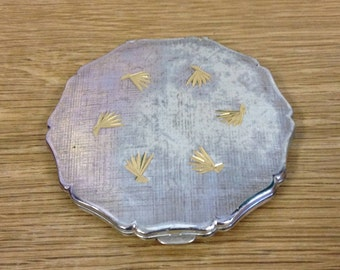 Vintage Silver Plated Compact Made By Stratton. Well Worn But Priced To Sell.