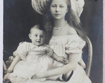 """1900s RPPC by the """"Neue Photographische Gesellschaft -Verlag Gust. Liersch & Co ; """"Prinzessin Viktoria Luise von Preußen and her nephew"""""""