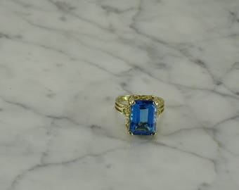 14K Yellow Gold / Topaz Ring  (size 6)