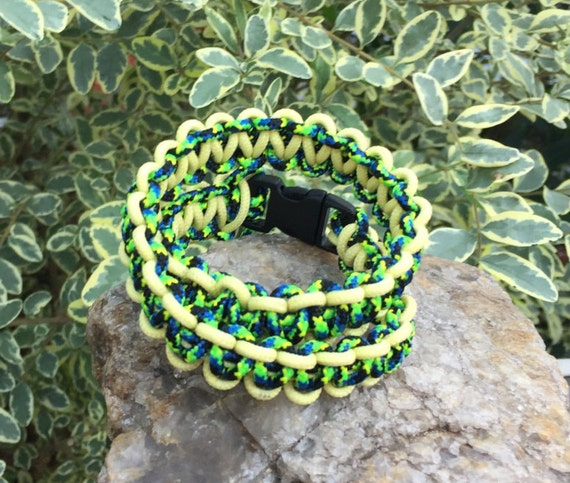 Thin and Skinny Wrap Paracord Bracelet, thin 275 cord used,  3/8 in. size colored buckles