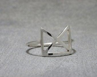 Makahiya Silver Ring