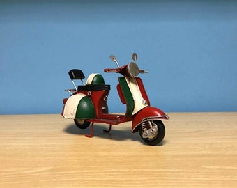 Vintage red scooter vespa miniature,Italian scooter,Handmade decorative collectible,Dollhouse miniature,Toy scooter vespa,Vespa doll