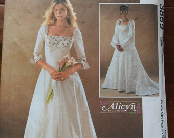 McCalls 3869 Women's Lined Elegant Bridal Or Evening Gowns Sewing Pattern