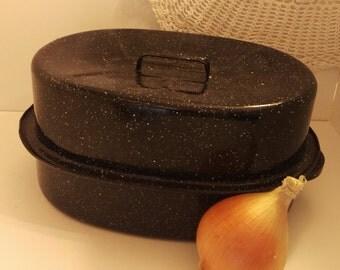 Roasting Pan, Vintage enamelware roasting pan, mid sized, appartment sized, chicken or beef dinner, granite ware, turkey pan, roasting pan