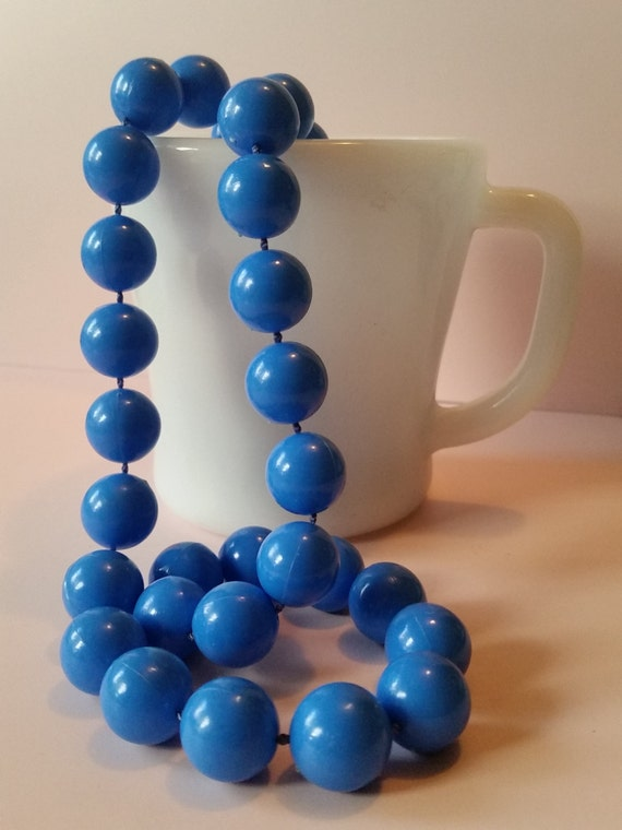 Vintage 1960's Cerulean Blue Necklace   Mod Retro Beaded Single Strand   Chunky Lucite Beads   Medium Length