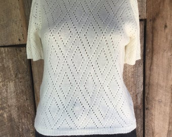 Vintage 70s short sleeve off white cut out diamond patterned cropped minimalist turtleneck sweater womens
