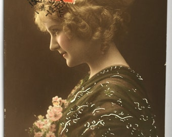 Profile portrait * French beauty * Beautiful bun hairdo * Straight nose * 1900s photograph * Hand painted postcard * Antiques from France