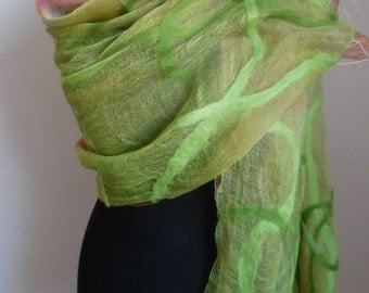 Scarf silk and Merino Wool in light green and pink - pure nature - dreamy