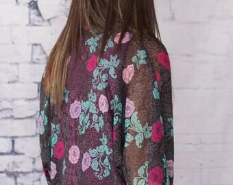 Kimono gray background with flower turquoise/pink/fushia