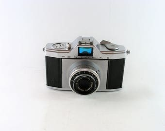 Vintage Pentona II Analogue Film Camera Meyer Optic Gorlitz Trioplan Lens