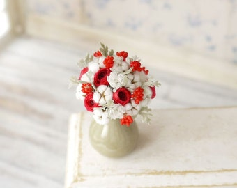Free shipping - Bouquet of red ranunculus, cotton, scale 1/12, dollhouse decor, dollhouse flowers, dollhouse miniatures