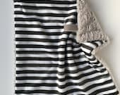 BLACK + WHITE STRIPE >> baby boy blanket, baby girl blanket, soft cuddle blanket, minky blanket, stroller blanket, faux fur blanket