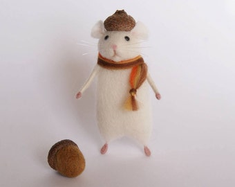 Felted mouse, Autumn mouse, Acorn mouse, Needle felt animal, Miniature, Felted animal, Birthday gift, Home decor