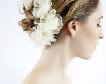 Ivory bridal hair pin - bridal flower pin - wedding pin
