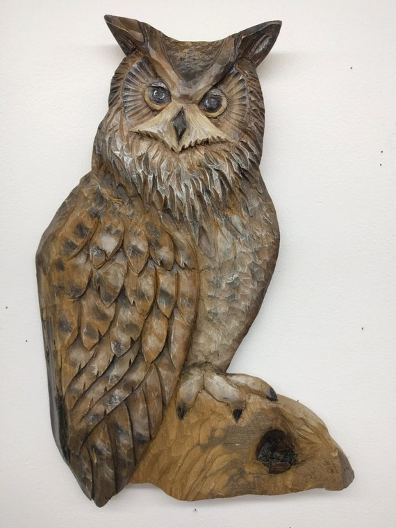 N great horned owl relief carving by sculpteur flamand