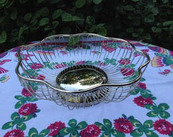 Vintage Silver Plated Wire Fruit / Bread Basket