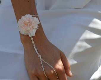 Bridal bracelet, preserved flowers hand bracelet Lilly for your wedding, flower bracelet for wedding, bridemaids jewel