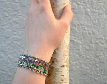 Beaded Bracelet- Stone and Lace Pattern