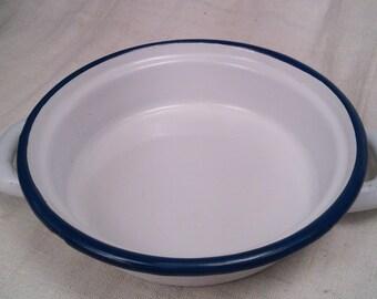 Dish to eggs enameled metal
