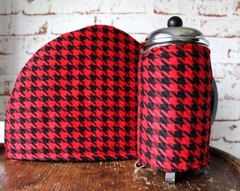 Houndstooth Tea & Coffee Cosy Set. Retro Tea Cosy. Dogtooth Cosy. Retro Home Gift. Black and Red Cosy. Retro Gift Set. Coffee Cozy.