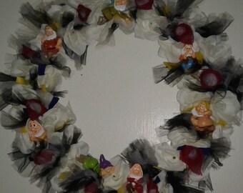 Disney Snow white and 7 dwarves