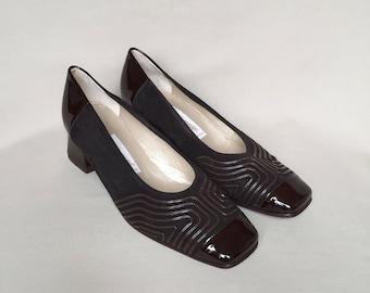 Vintage shoes / shoes size 5 / square toe / block heel / suede shoes / low heels / italian shoes / patent  leather shoes / 80s shoes