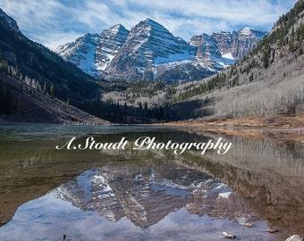 Maroon Bells, Colorado near Aspen - Reflection photo on Canvas print - Wall Art - Landscape Photograph