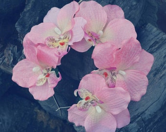 Hoop for hair orchids, orchids in her hair, a headband with pink orchids, pink Orchid, volumetric headband
