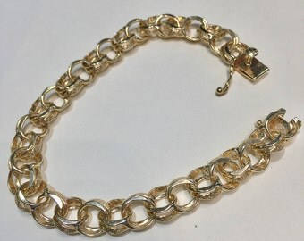 Vintage 14kt yellow gold double link charm bracelet!