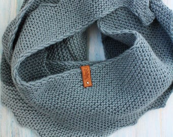 Hand Knit Scarf, Women scarf, Chunky Womens Scarf, Knit wrap, Hand Knit Infinity Scarf, Infinity Scarf, Chunky Womens Neck Warmer in Gray