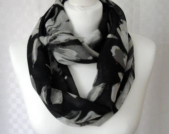 Floral print infinity scarf, Circle scarf, Flower print scarf, Scarf for her, Lightweight scarf, Fashion scarf