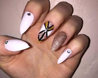 Polished! - Aztec Gold - Hand painted false nails