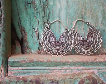 Earrings Silver Plated Hoops Flower Filigree / Boucles d'oreilles Créoles Fleur Filigrane en Argent Plaqué
