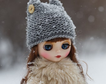 Knitted Blythe winter hat with two buttons