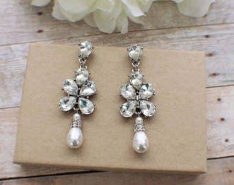 Crystal chandelier earrings, pearl crystal earrings, bridal chandelier earrings, wedding jewelry, bridal accessories, pearl drop earrings