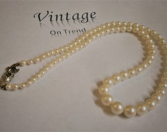 Vintage Graduated Faux Pearl Necklace with Silver Deco Clasp