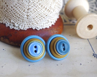 blue button earrings, retro stud earrings, large button earrings, button post earrings, vintage signora, button assemblage earrings, oldness
