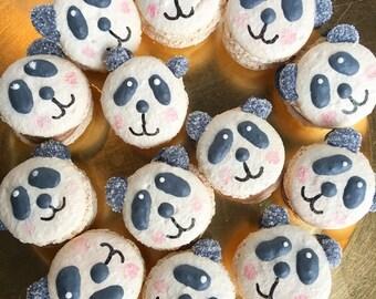 12 Panda Macarons