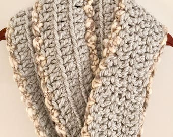 Crocheted Infinity Scarf, Winter Scarf, Gray Infinity Scarf, Chunky Scarf, Gift for Christmas, Gift for Girlfriend, Gift for Mother