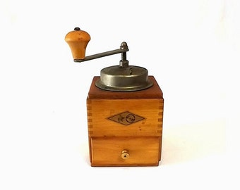KYM Coffee Grinder, Vintage Wooden Manual Mill, Farmhouse Kitchen Decor