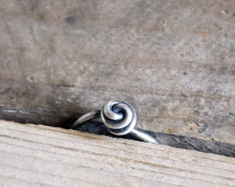 Love Knot Silver Ring / Sterling Silver Ring / Knot Ring / Simple / Vintage Modern Jewelry